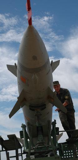 Podgotovka-rakety-k-boevomu-primeneniu
