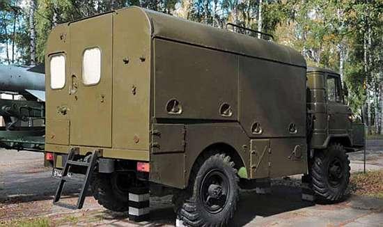 Автозаправщик АК-32М.